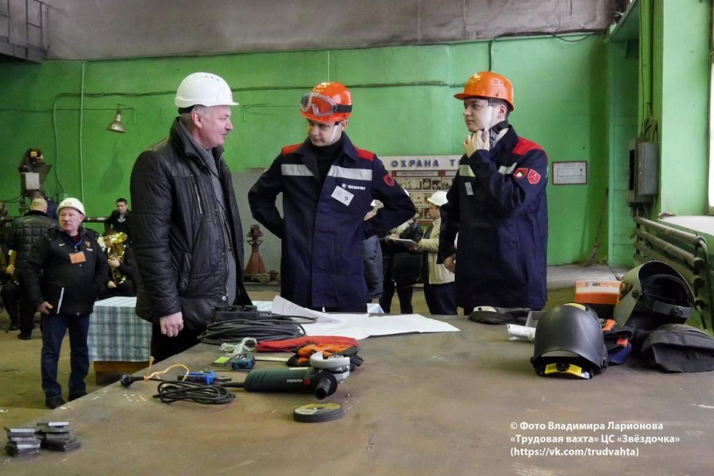 М.Э. Голышев, Алексей Кузнецов и Николай Сартыня (1 место, судокорпусные работы)